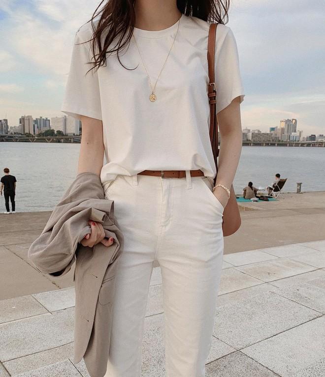 phối đồ với trang phục màu trắng_15