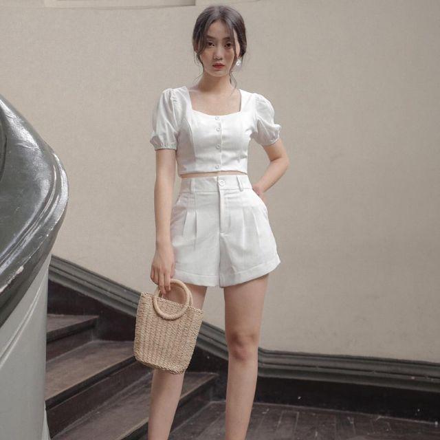 phối đồ với trang phục màu trắng_44