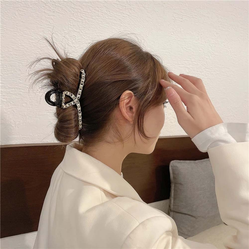 Búi tóc với kẹp càng cua_2