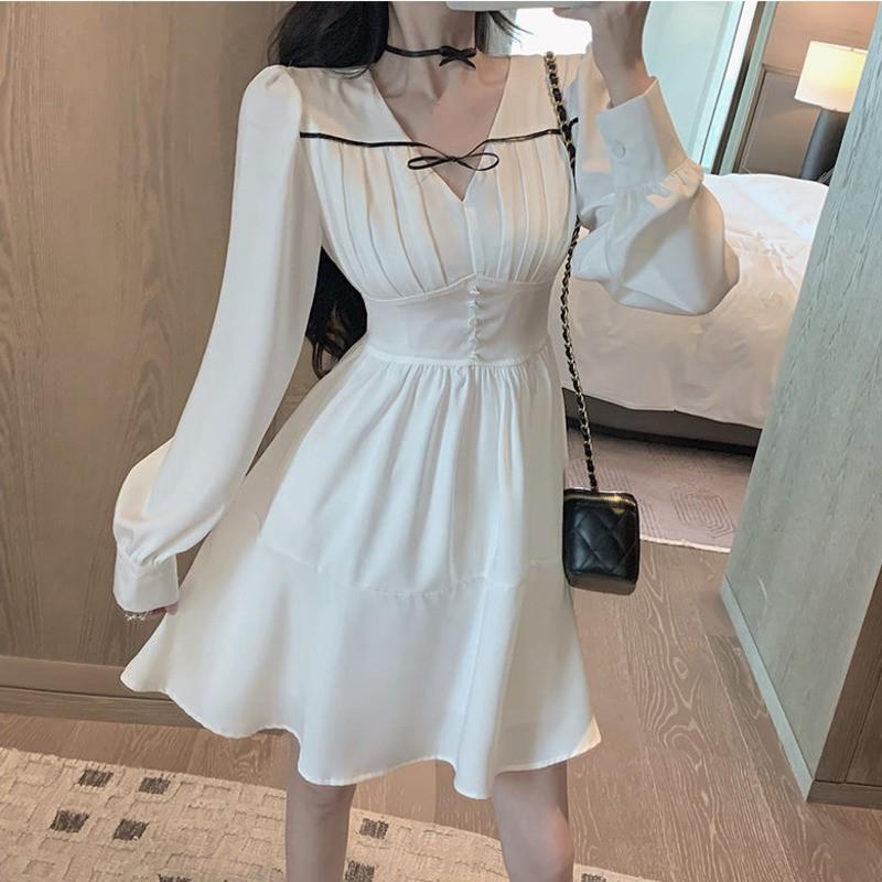 Váy ngắn cổ chữ V_2