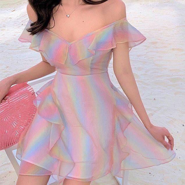 Trang phục màu sắc rực rỡ 21