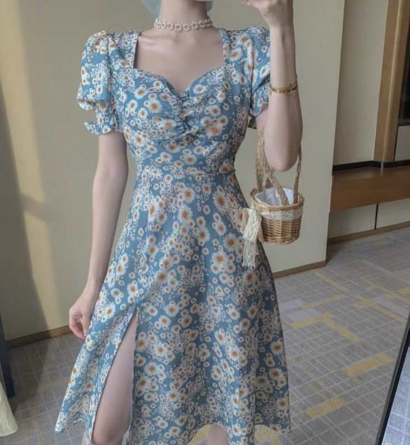 trang phục màu xanh biển