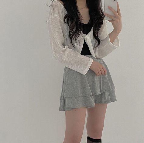 trang phục trắng đen_34