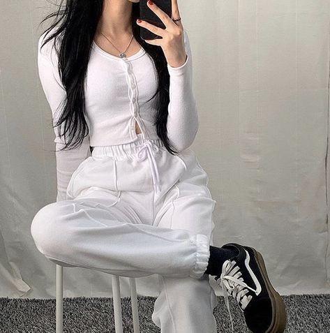 trang phục trắng đen_44
