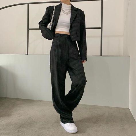 trang phục trắng đen_48