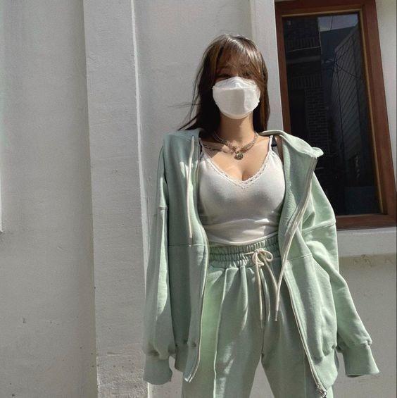 trang phục xanh mint 22